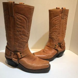frye boots womens square toe size 7